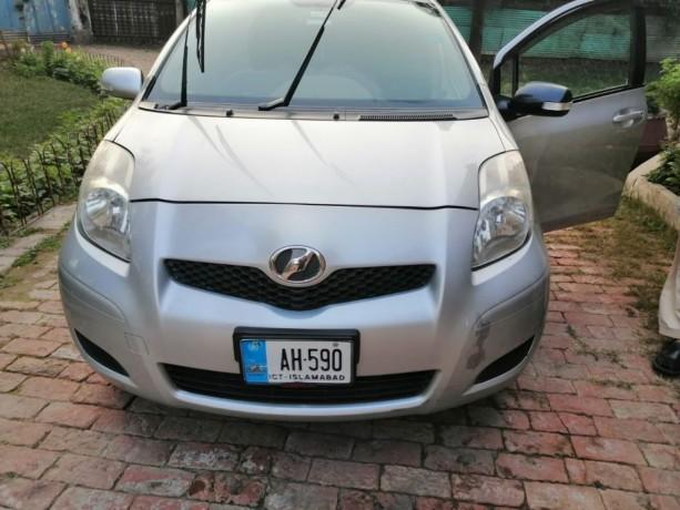 suzuki-vitz-2012-auto-available-for-rent-big-0